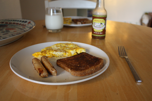eggs toast and chicken sausage