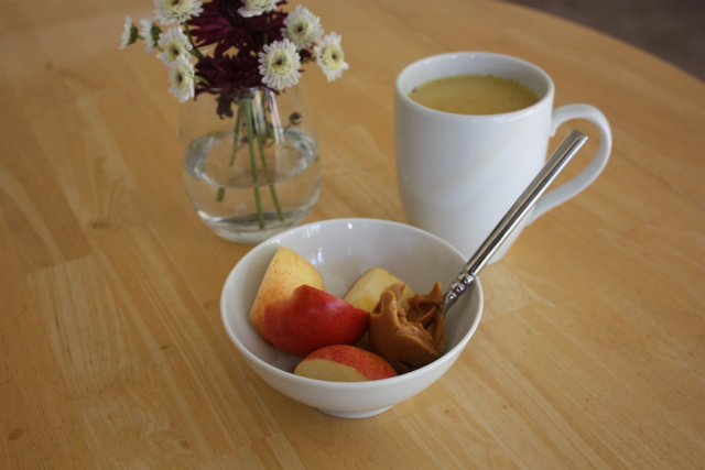 apples with peanut butter and turmeric tea
