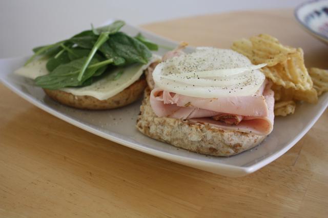 bagel sandwich for lunch